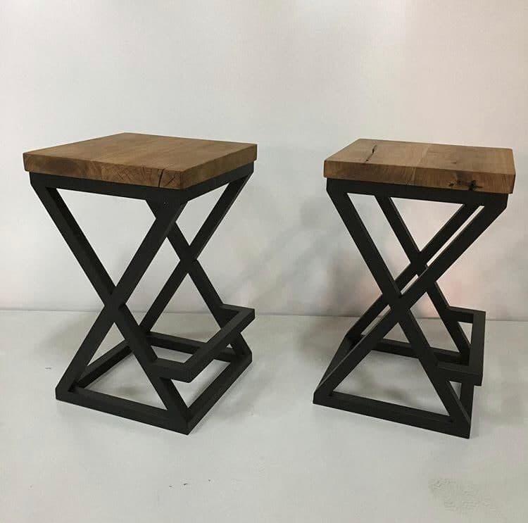 صندلی چوبی و آهنی